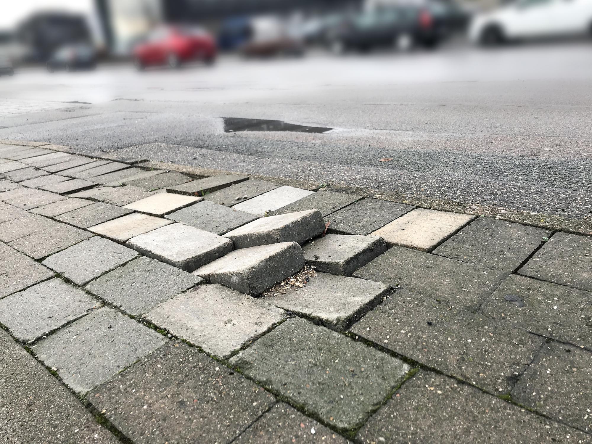 Brick Paver Repairs – Brick Patio Repairs Made Easy